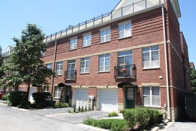 Condo/Townhouse For Sale: 3260 North Washtenaw Avenue