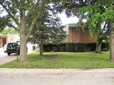 Lincolnwood Single Family Home Price Change: 6745 North Kostner Avenue