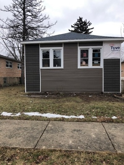 Bellwood Single Family Home For Sale: 425 52nd Avenue