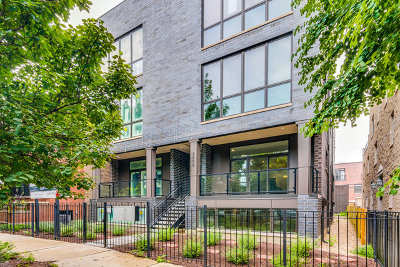 Condo/Townhouse For Sale: 2650 North Bosworth Avenue #3N