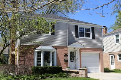 Arlington Single Family Home For Sale: 334 South Bristol Lane