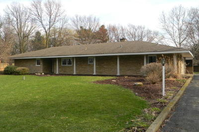 Glen Ellyn Single Family Home For Sale: 22w689 Elmwood Drive