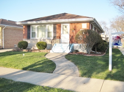 Norridge Single Family Home For Sale: 5001 North Leonard Drive