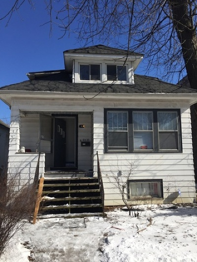 Single Family Home Contingent: 4039 North Kenneth Avenue