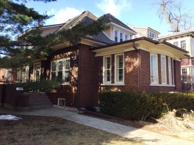 Oak Park Single Family Home For Sale: 209 North Ridgeland Avenue
