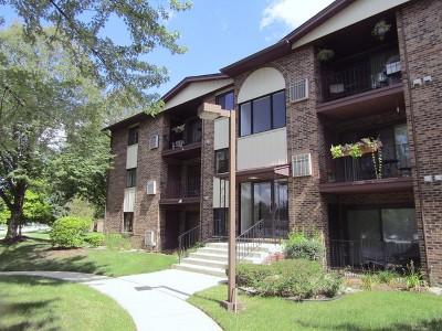 Crestwood Condo/Townhouse For Sale: 14011 Laramie Avenue #313