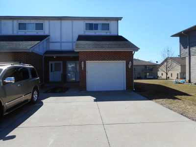 Bloomingdale Condo/Townhouse For Sale: 308 Starling Court #C
