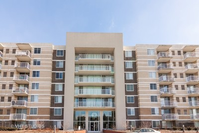 Lombard Condo/Townhouse Contingent: 150 West St Charles Road #702