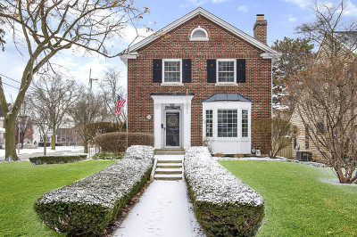 Elmhurst Single Family Home For Sale: 200 West Grandview Street