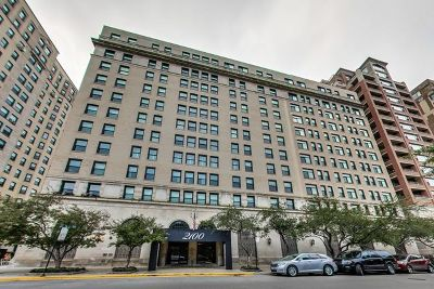 Condo/Townhouse Price Change: 2100 North Lincoln Park West #6AS