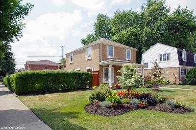 Lincolnwood Single Family Home For Sale: 3803 West Pratt Avenue