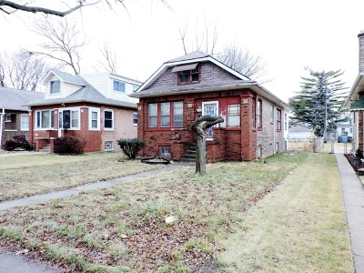 Chicago IL Single Family Home For Sale: $64,900