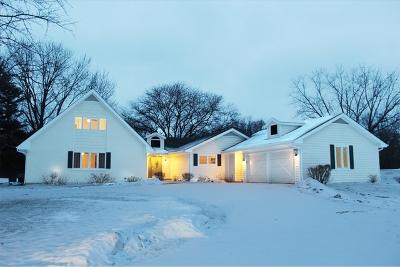 Barrington Single Family Home For Sale: 14 Bow Lane