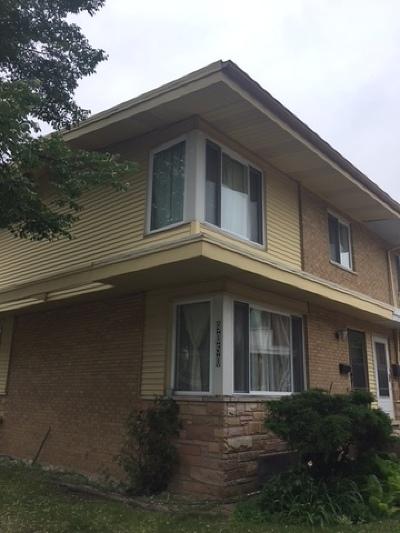 Skokie Condo/Townhouse For Sale: 9050 Niles Center Road #B