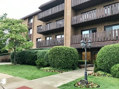 Highland Park Condo/Townhouse For Sale: 1795 Lake Cook Road #307