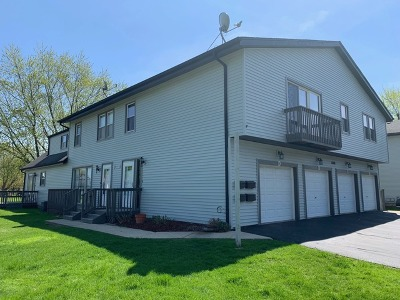 Aurora Condo/Townhouse Re-Activated: 1880 Carnation Court #D
