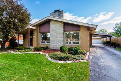 Oak Lawn Single Family Home For Sale: 10221 South Kilbourn Avenue