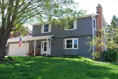 Barrington Single Family Home For Sale: 106 North Glendale Avenue