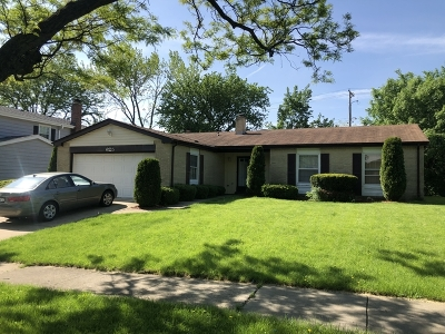 Westmont Single Family Home For Sale: 625 Independence Avenue