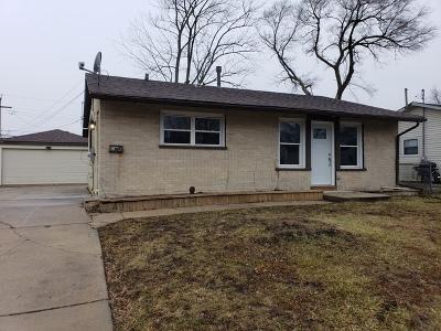 Streamwood Single Family Home For Sale: 114 East Streamwood Boulevard