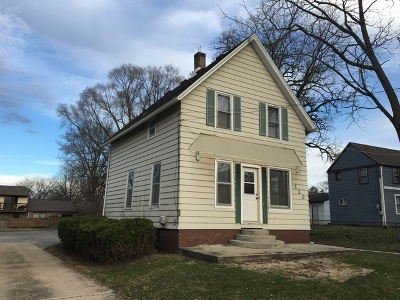 Sycamore Single Family Home For Sale: 120 Sabin Street