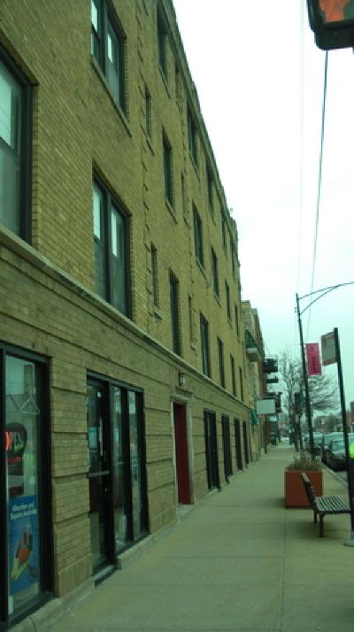 Rental For Rent: 2960 West Montrose Avenue #3