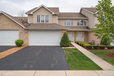 Crestwood Condo/Townhouse For Sale: 13503 Laramie Avenue #13503