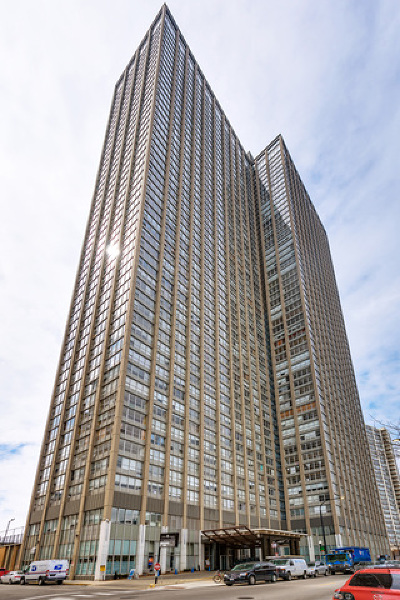 Chicago Condo/Townhouse New: 655 West Irving Park Road #4914