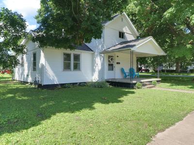 Leroy Single Family Home For Sale: 510 East Elm Street
