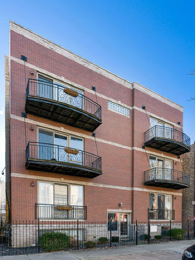Condo/Townhouse For Sale: 2027 West Race Avenue #2W