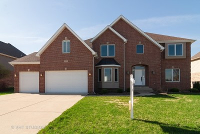 North Aurora Single Family Home For Sale: 2096 Westover Road