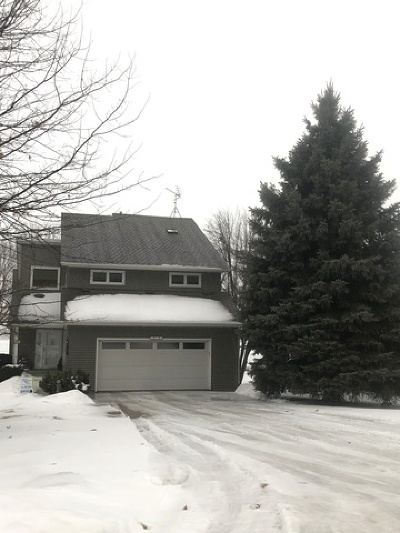 Single Family Home For Sale: 212 Candlewick Drive South East