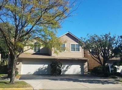 Lincolnwood Condo/Townhouse For Sale: 6709 North Cicero Avenue