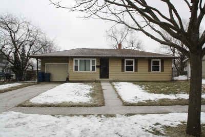 Hanover Park Single Family Home Contingent: 6861 Appletree Street