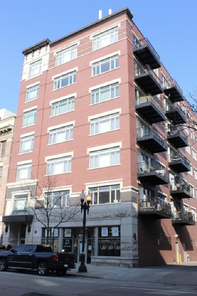Condo/Townhouse For Sale: 1429 North Wells Street #203