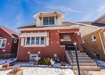Elmwood Park Single Family Home For Sale: 2111 North 75th Court