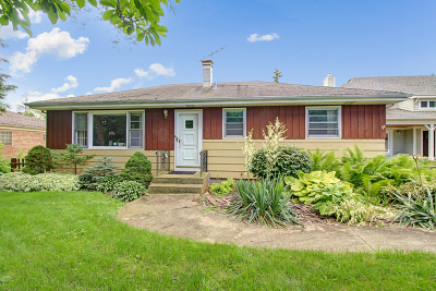 Downers Grove Single Family Home For Sale: 4720 Roslyn Road