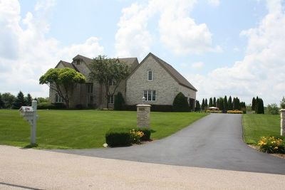 McHenry Single Family Home For Sale: 1615 Anthony Lane