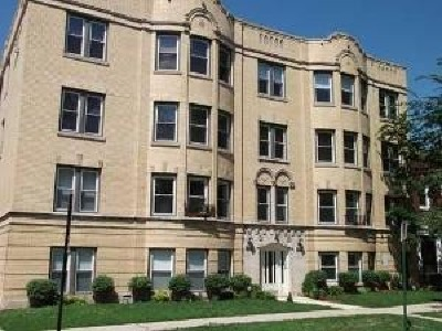 Condo/Townhouse For Sale: 6204 North Claremont Avenue #3