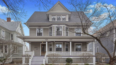Oak Park Single Family Home For Sale: 234 South Kenilworth Avenue