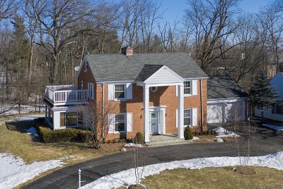 Glencoe Single Family Home For Sale: 407 Kelling Lane