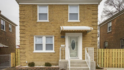 Single Family Home For Sale: 7540 South Damen Avenue