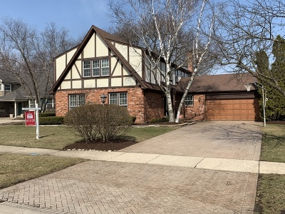 Glen Ellyn Single Family Home For Sale: 554 Prince Edward Road