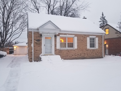 Mount Prospect Single Family Home Contingent: 417 North Elm Street