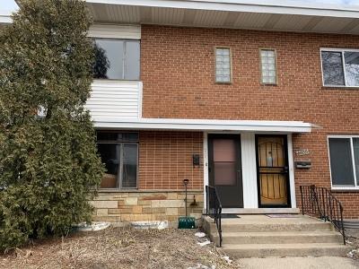 Skokie Condo/Townhouse Price Change: 4933 Carol Street #C