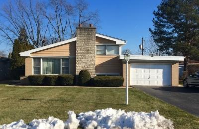 Glenview Single Family Home For Sale: 105 Fernwood Drive