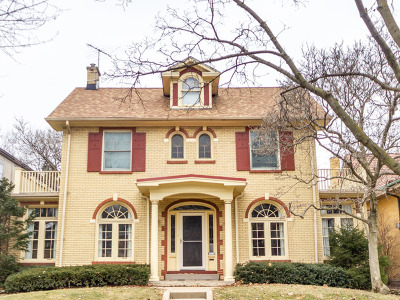Oak Park Single Family Home For Sale: 1043 North Kenilworth Avenue North