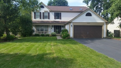 Algonquin Single Family Home For Sale: 2001 Cumberland Parkway