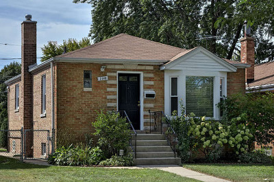 Evanston Single Family Home For Sale: 2140 Dobson Street