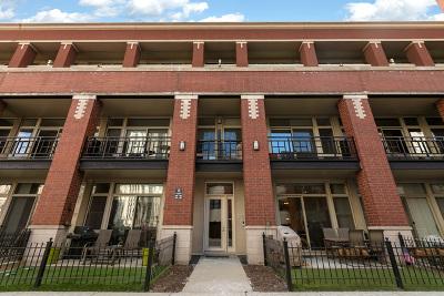 Condo/Townhouse For Sale: 324 North Jefferson Street #105
